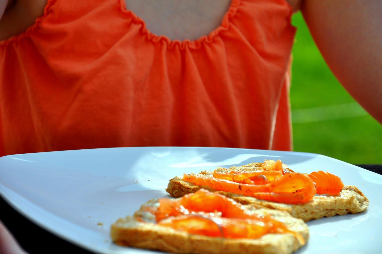 gravalax_toast.jpg