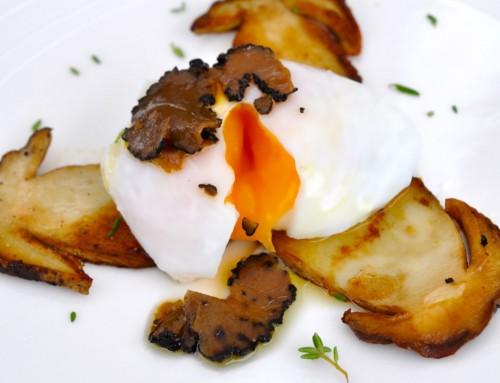 Jurčki, sous vide poširano jajce in odtenek tarfufa