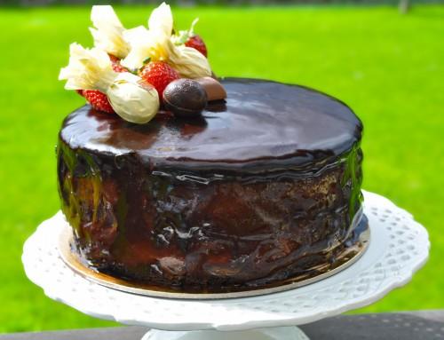Čokoladno jagodna torta