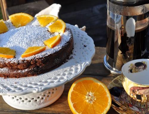 Najhitrejša čokoladna torta s pomarančo – brez moke